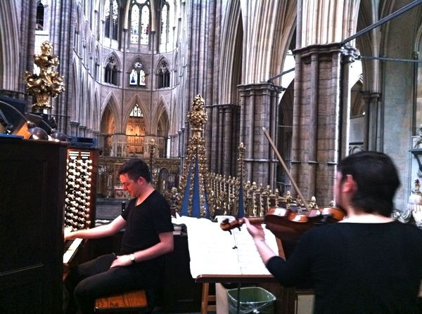 @nicomuhly @nadiasirota rehearsal at Westminster Abbey